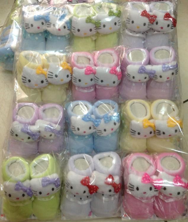 Kaos Kaki Boneka Hello Kitty 17080022