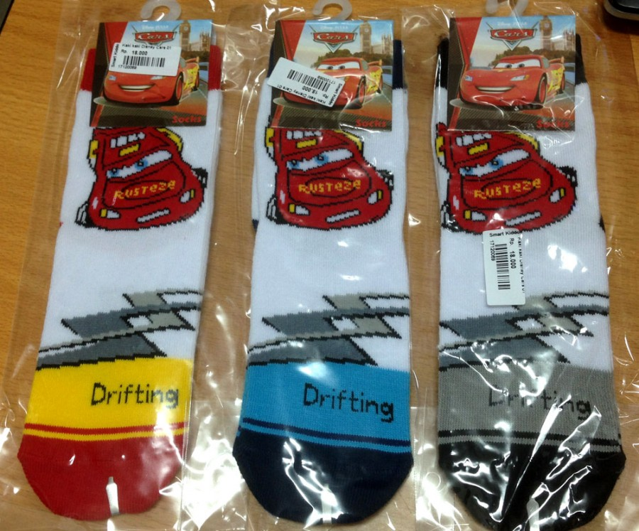 Kaos Kaki Disney Cars
