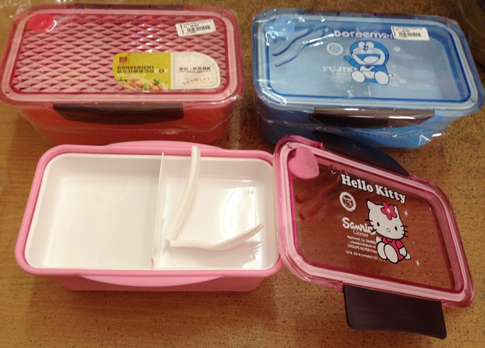 Kotak Makan 2 Susun Tupperware (Doraemon / Hello Kitty)