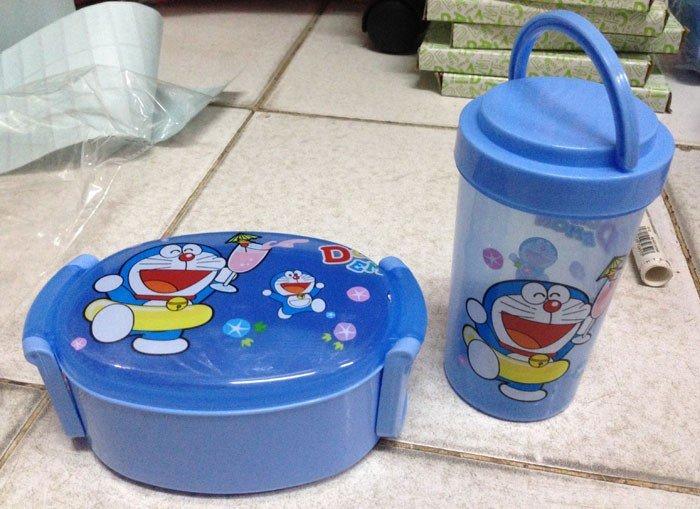 Kotak Makan Set Oval 15050171 Doraemon