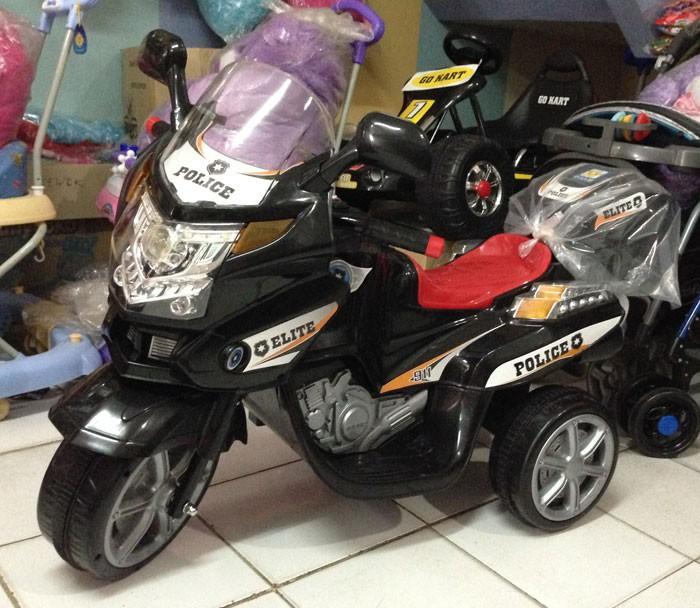 Motor Aki Polisi Elite Hitam