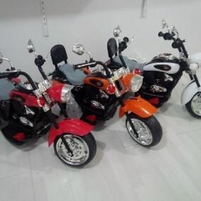 Motor Aki Harley