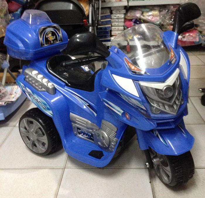 Motor Aki Sport Tornado Biru