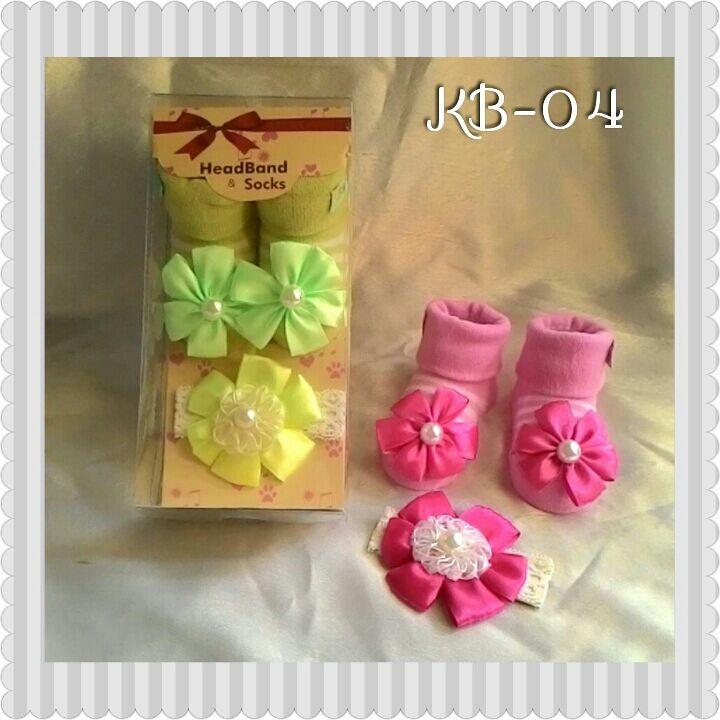 Kaos Kaki + Bandana Set Bunga 17120010