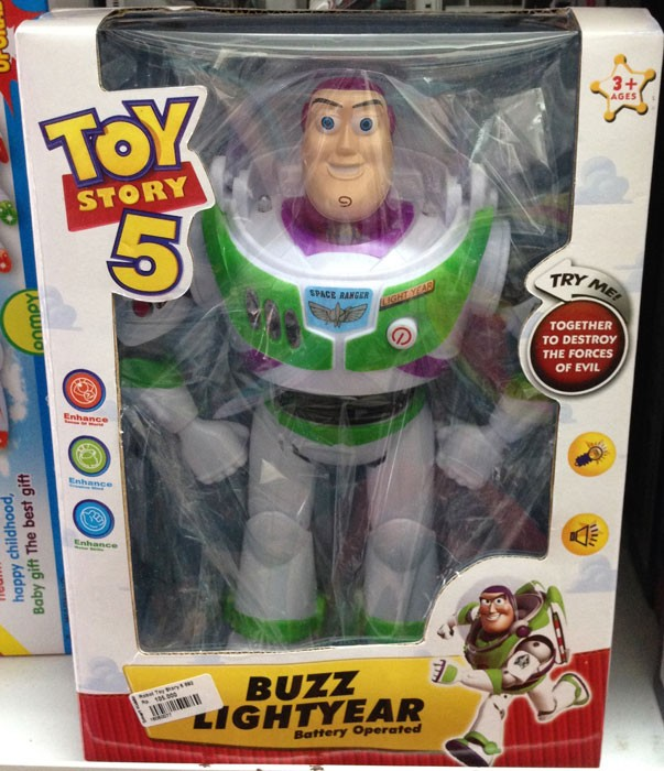 Robot Toy Story 5